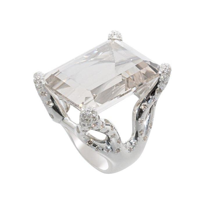 finejewelry ring whitegold diamonds white christmas snowflake snowwhite oneofakind atelier munich handmade jewellery instajewelry instagood haveaniceday