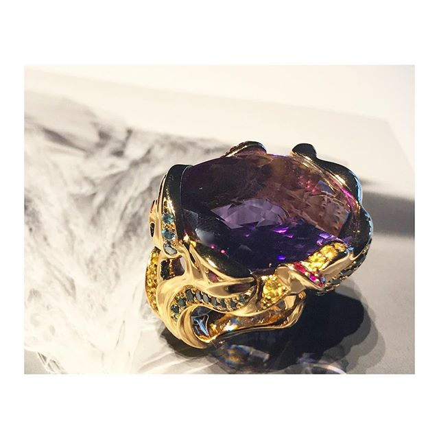 finejewelry ring gold gemstones colored diamonds burlesque baroque ornaments joy sensuality artsy oneofakind handmade instajewelry picoftheday